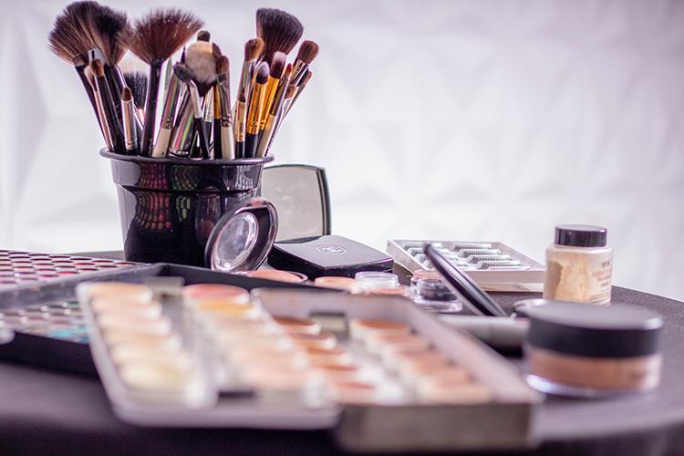 conseil maquillage visage carré