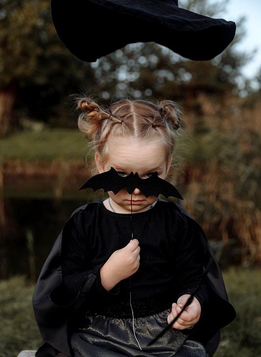 maquillage halloween oeil femme. Je veux voir plus de Maquillages biens  notés par les internautes et pas cher ICI